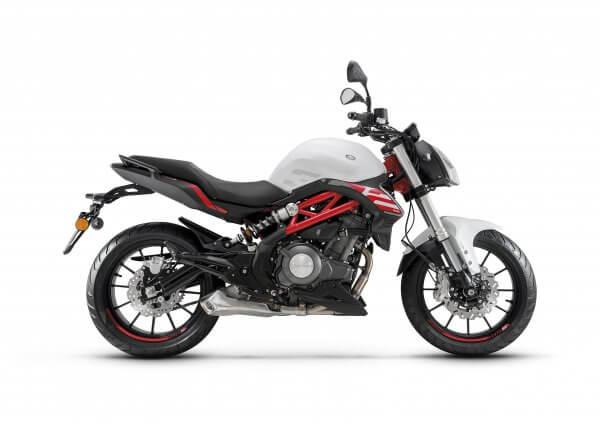motos-benelli-302-S-motissimo-barcelona